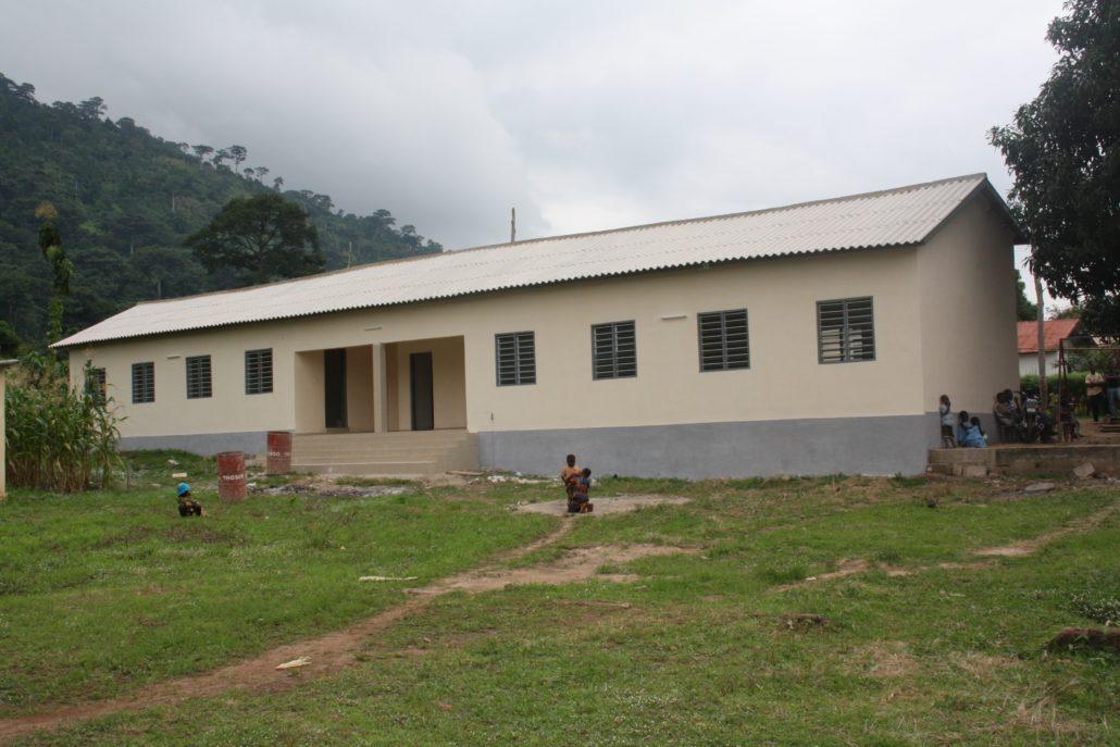Einweihung des Waisenhauses