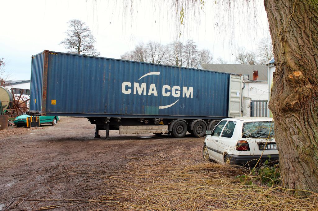 Zollabfertigung des Containers